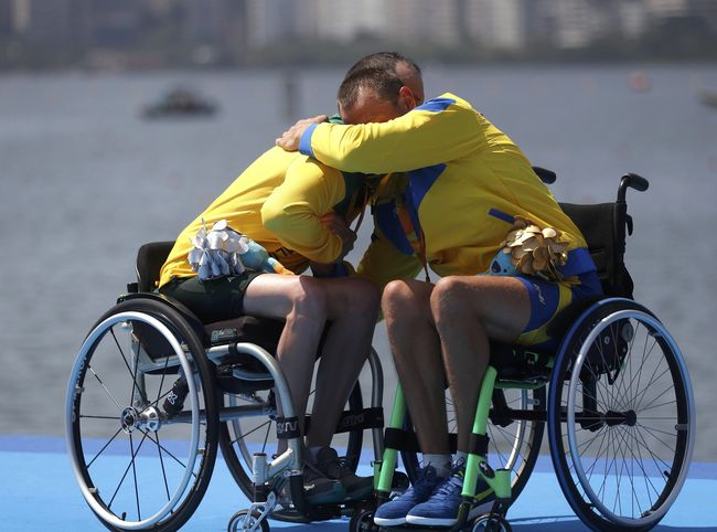 Болеем за паралимпийцев!